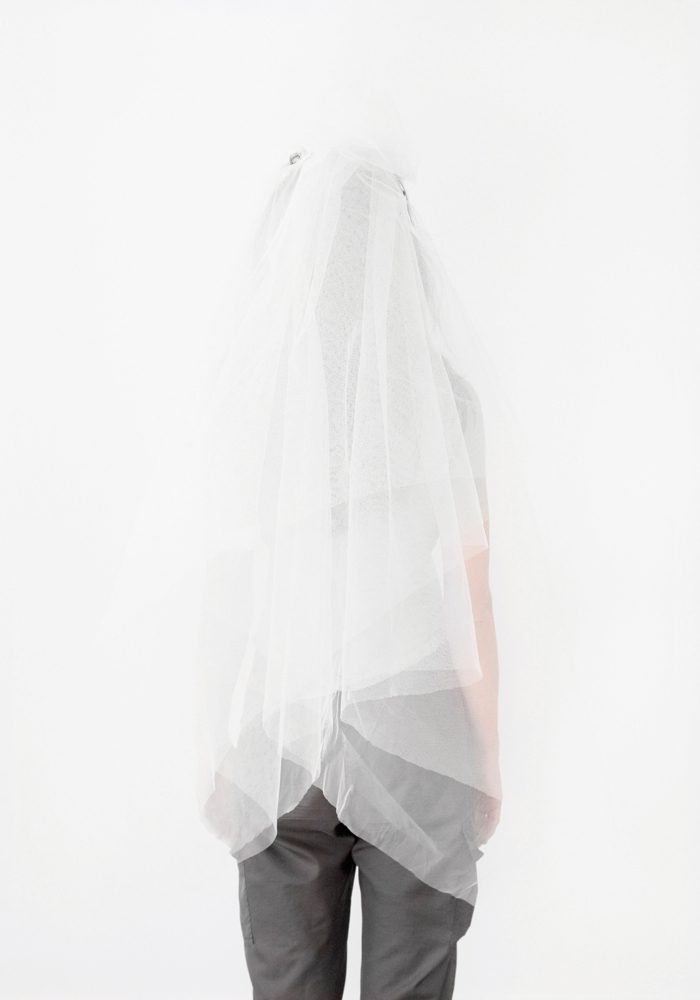 Katarzyna Majak, Veil 1, from the Déchirer series