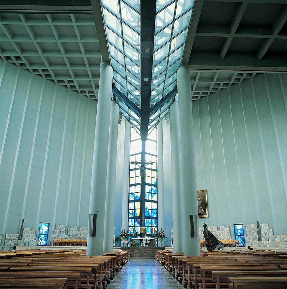 Wnętrze kościoła Św. Jadwigi w Krakowie z widocznym świetlikiem, fot. dzięki uprzejmości architekta
