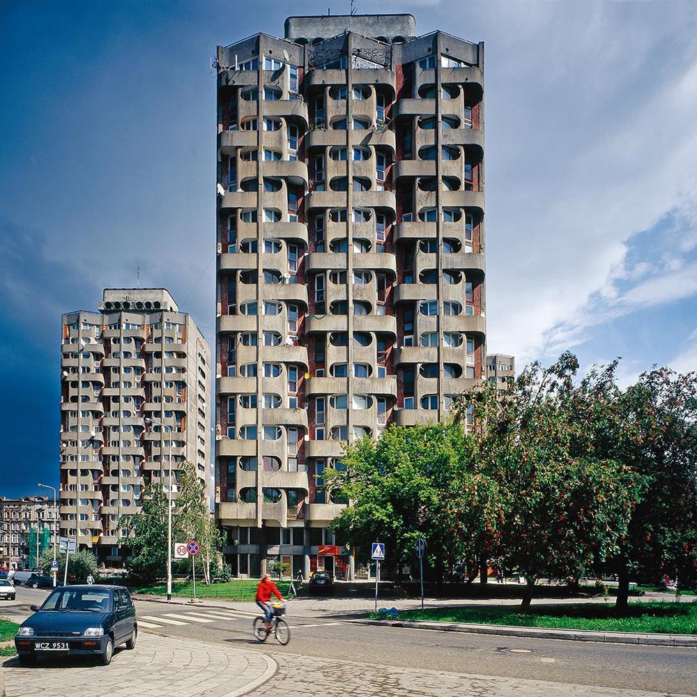 """Nicolas Grospierre, Osiedle Plac Grunwaldzki (""""Sedesowce""""), 2005, fot. materiały promocyjne"""