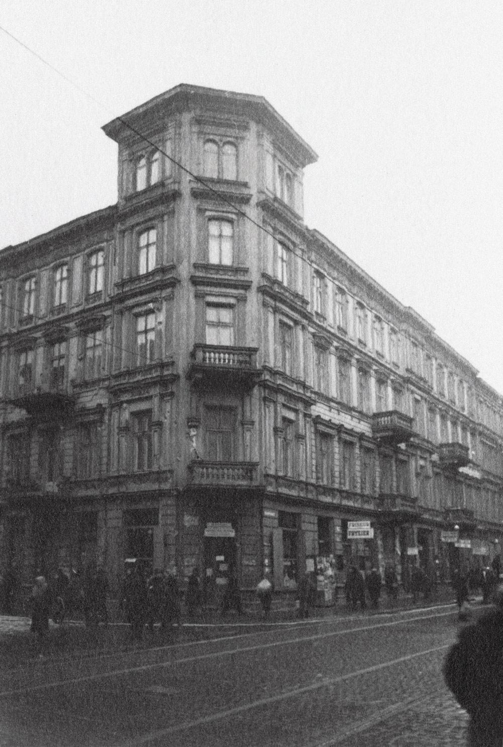 Wielka 7 róg Złotej 21, 1941 rok. Fot. APW/Referat Gabarytów