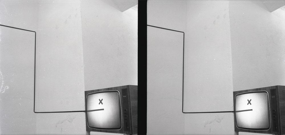 """Wojciech Bruszewski, instalacja, 2013, wystawa """"Across Realities"""", Fundacja Arton, fot. WGW"""