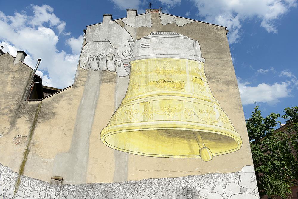"""Blu, """"Never Follow"""", mural, Kraków, fot. dzięki uprzejmości Mall Wall Art"""