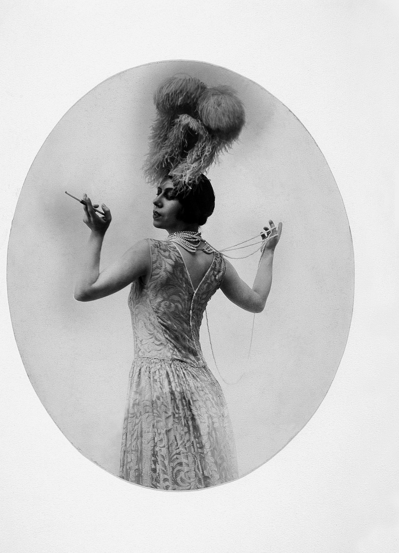 Бронислава Нижинская в «Les Biches» на музыку Франсиса Пуленка, 1924, фото: BN Polona