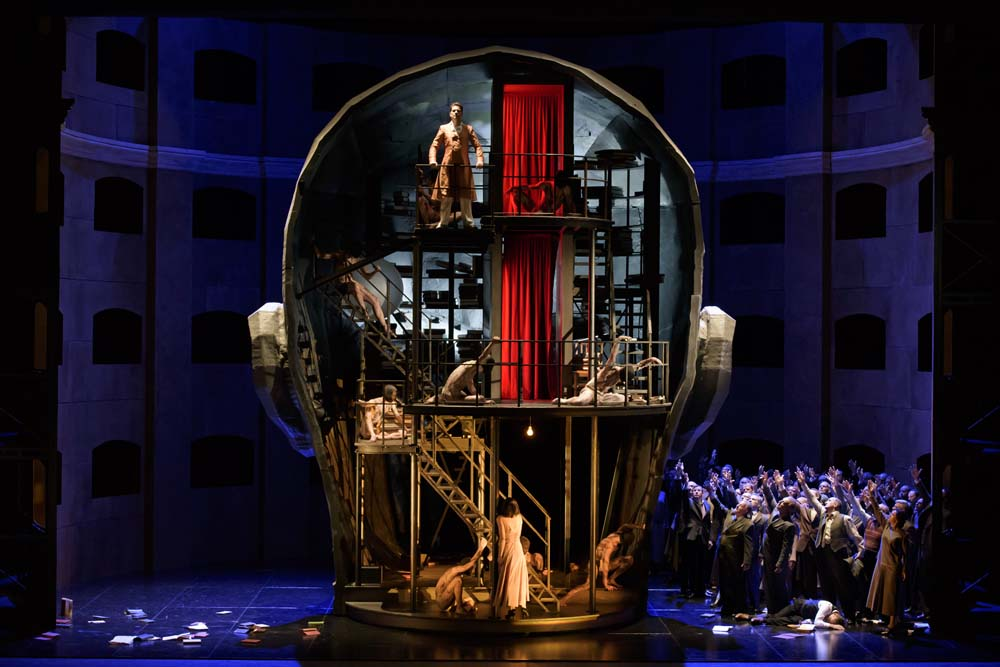 Scene from the opera King Roger directed by Kasper Holten, 2015,  photo: Bill Cooper / The Royal Opera House