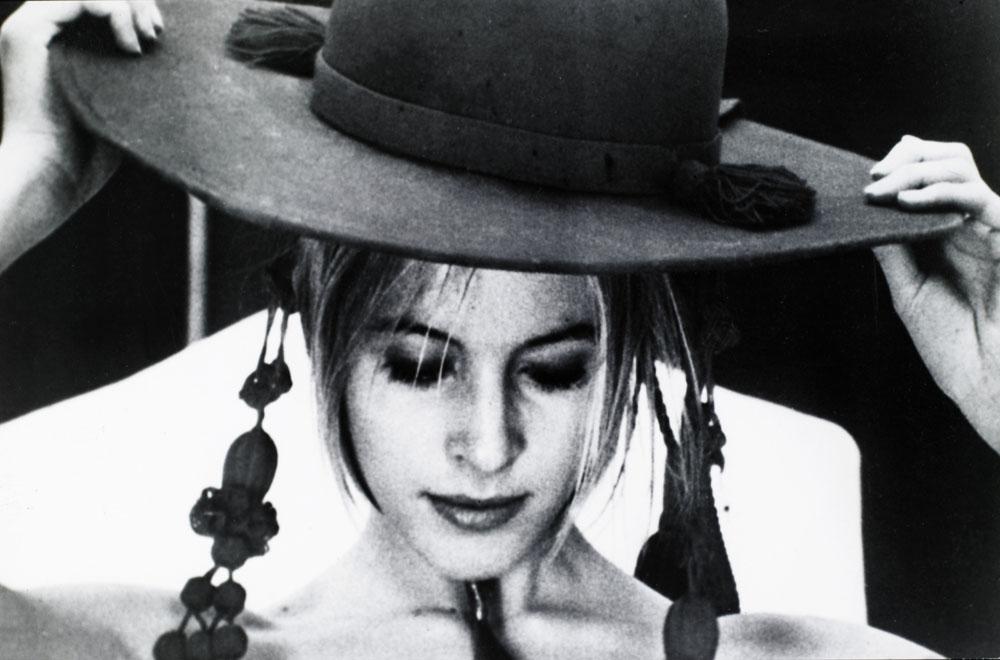 """Kadr z filmu """"Contes immoraux / Opowieści niemoralne"""", w reżyserii Waleriana Borowczyka, 1974, fot. East News"""