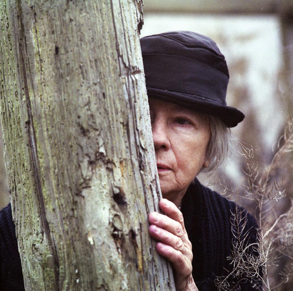 """Danuta Szaflarska w filmie """"Diabły, diabły"""", reżyseria: Dorota Kędzierzawska, 1991, fot. Jan Górski / East News"""