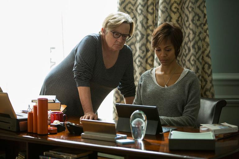 """Agnieszka Holland i Zoe Saldana podczas kręcenia """"Dziecka Rosemary"""" dla NBC, fot. NBC"""