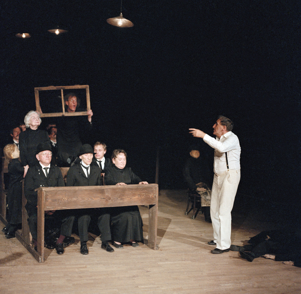 Tadeusz Kantor during a Dead Class performance, Cricot 2 theatre, 1983, photo: Wojciech Kryński / Forum