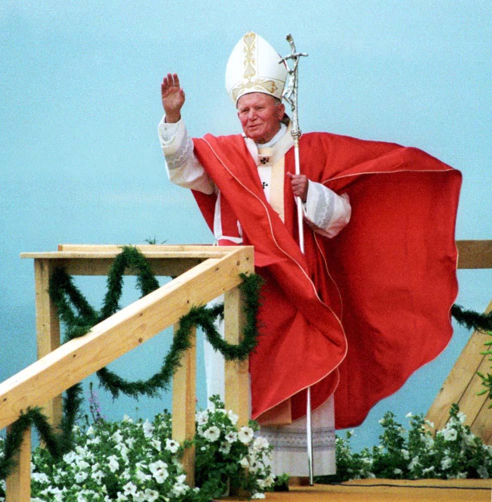 Jan Paweł II (Karol Wojtyła ) in Poland, Żywiec, 1995, photo: Marek Lapis / Forum