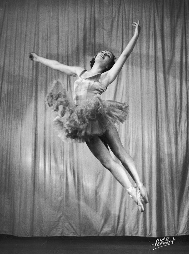 Franciszka Mannówna (Franceska Mann),  1939, photo: Forbert / audiovis.nac.gov.pl (NAC)
