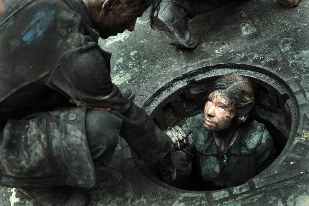 """Kadr z filmu """"Miasto 44"""" w reżyserii Jana Komasy, fot. Ola Grochowska / Akson Studio"""
