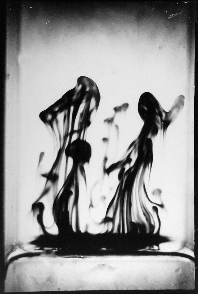 """Fortunata Obrąpalska, Z cyklu """"Dyfuzja w cieczy"""", 1948-2014, fot. materiały prasowe projektu Fotografia Kolekcjonerska"""