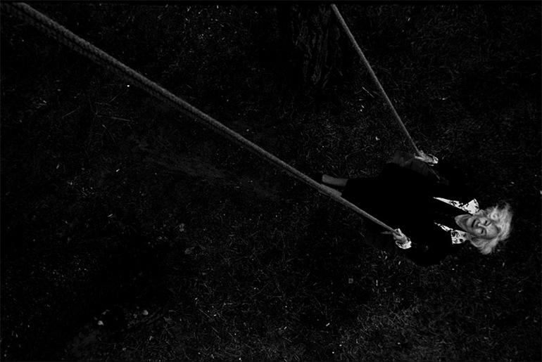 """Danuta Szaflarska w filmie """"Pora umierać"""" w reżyserii Doroty Kędzierzawskiej, fot. materiały prasowe"""