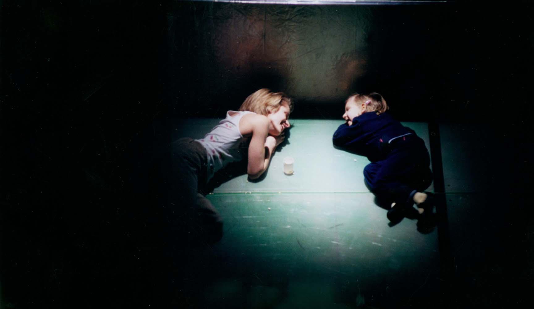 """Scena z przedstawienia """"4.48 Psychosis"""" w reżyserii Grzegorza Jarzyny, fot. Stefan Okołowicz/ TR Warszawa"""