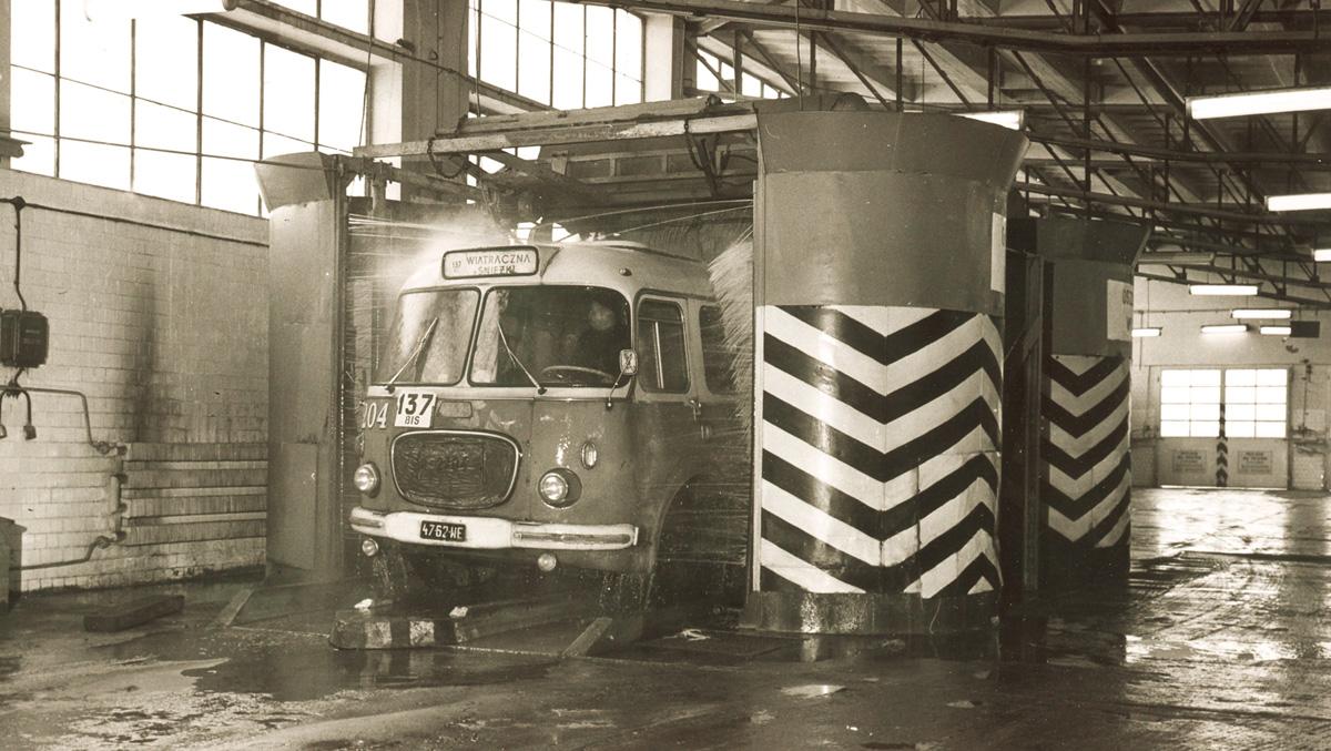 "A photograph from the album ""Warszawskie autobusy. Najpiękniejsze fotografie"". A Jelcz bus in the ""Ostrobramska"" depot, from the Plant Archives of the MZA, photo: courtesy of Wydawnictwo RM"