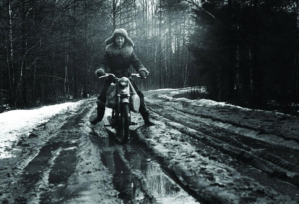 Симона Коссак едет в охотничий домик в Дзедзинке. Фото: Лех Вильчек