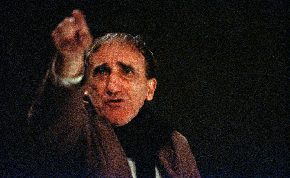 Tadeusz Kantor during the showing of Let the Artists Die, Teatr Cricot 2, Warsaw, 1986, photo: Wojciech Kryński / Forum