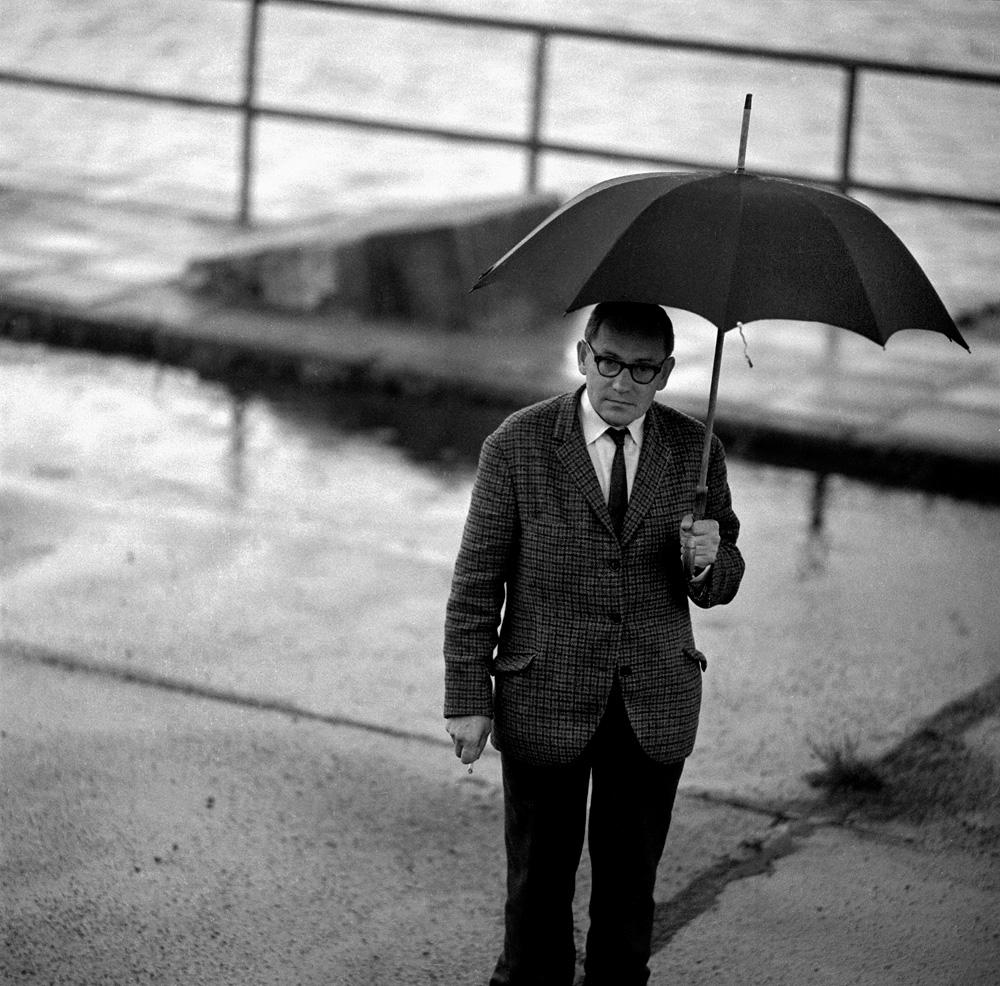 Tadeusz Konwicki, 1965, Warszawa, fot. Eustachy Kossakowski / Forum