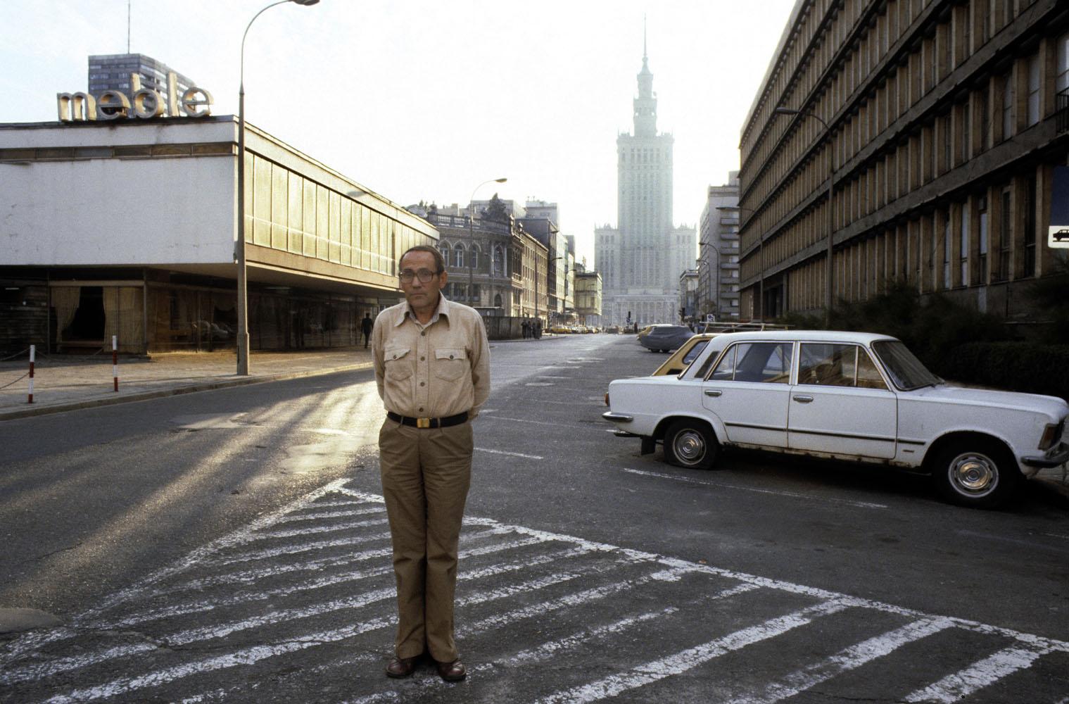 Tadeusz Konwicki, lata 80., Warszawa, fot. Chris Niedenthal / Forum