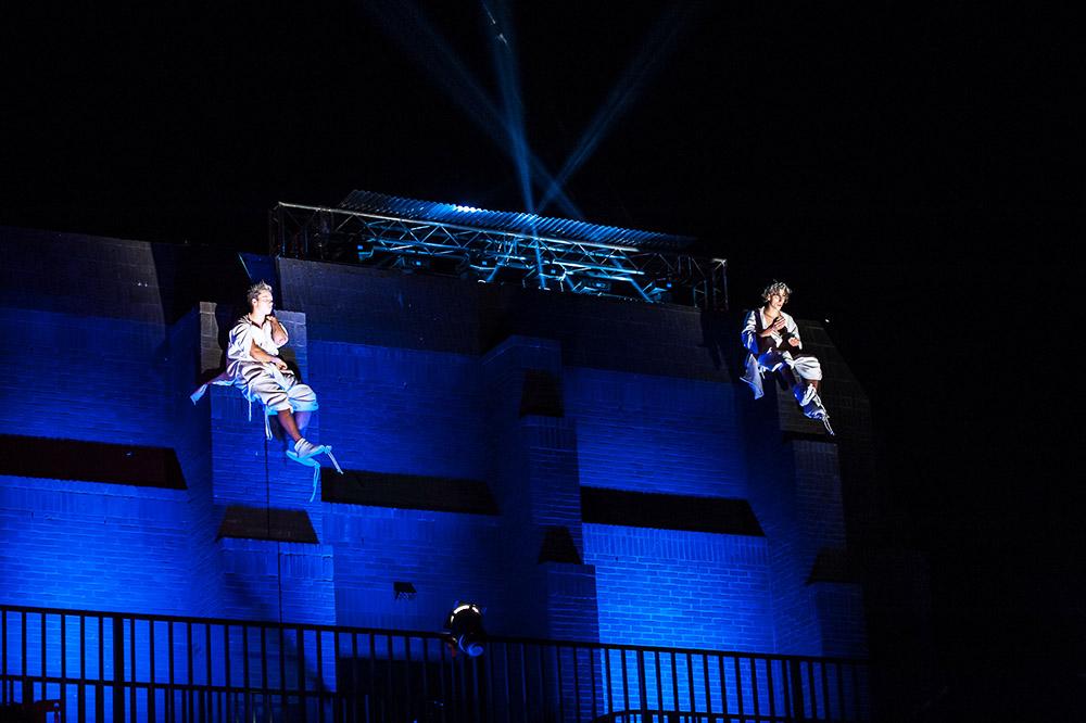 Akrobatyczny Teatr Tańca Mira Art podczas otwarcia Gdańskiego Teatru Szekspirowskiego, fot. materiały promocyjne