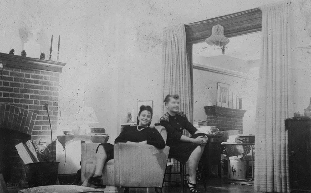 Teresa Żarnower w swoim studio z żoną Raymonda Grahama Swinga, Siggy, fot. z archiwum Teresy Żarnowerówny / dzięki uprzejmości Janet, Alexa i Anny Luisy