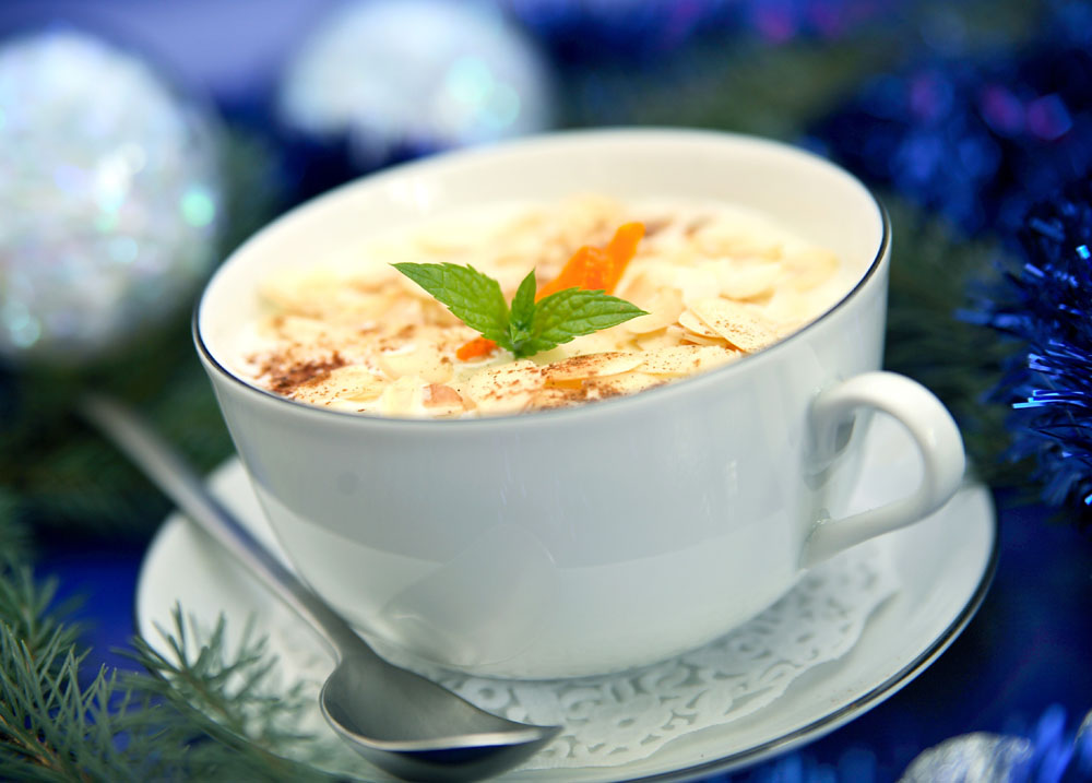 Almond soup, photo: Katarzyna Klich/East News