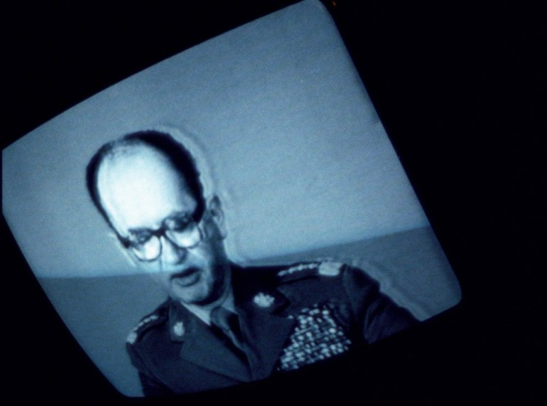 Генерал Войцех Ярузельский объявляет о введении военного положения 13.12.1981. Фото: Крис Ниденталь / Forum