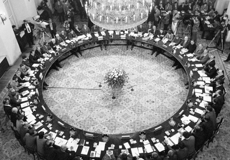 1989. Round Table Talks, photo: Jaroslaw Stachowicz / Forum