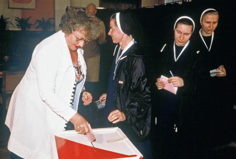 Полусвободные выборы в Польше, 8 июня 1989 года. Фото: SIPA / EAST NEWS