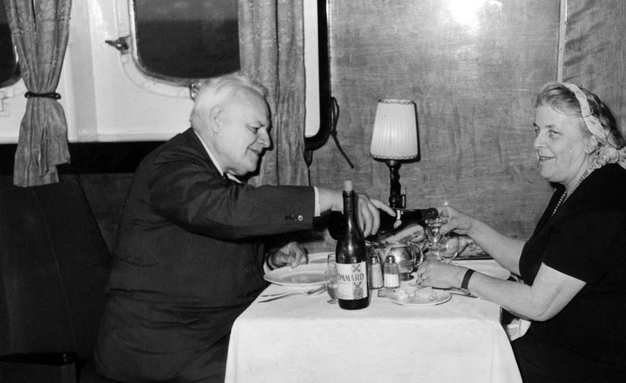 Melchior Wańkowicz having dinner on the M/S Batory, May 1958, photo: Melchior Wańkowicz archive / Museum of Literature / East News