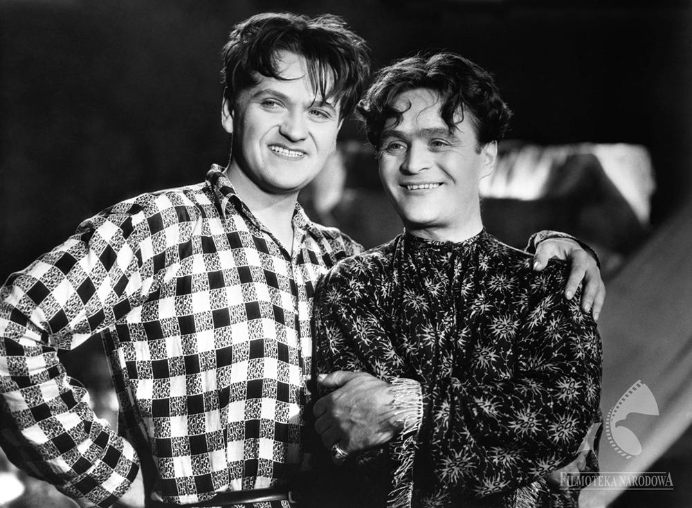 Still from Aleksander Fredro's Paweł i Gaweł (Paul & Gall), directed by Mieczysław Krawicz, 1938, Pictured: Eugeniusz Bodo & Adolf Dymsza, photo: Filmoteka Narodowa/www.fototeka.fn.org.pl