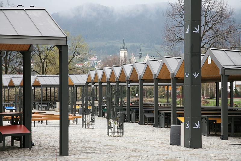 Plac targowy w Mszanie Dolnej, fot. Marcin Brataniec / Pracownia eM4.Pracownia Architektury.