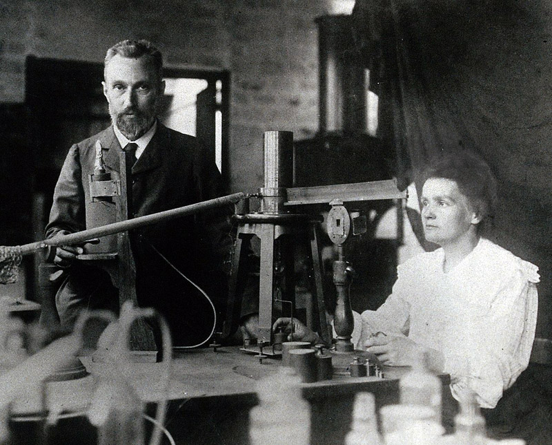 Pierre and Marie Curie in the laboratory, 1904, photo: wikimedia/public domain