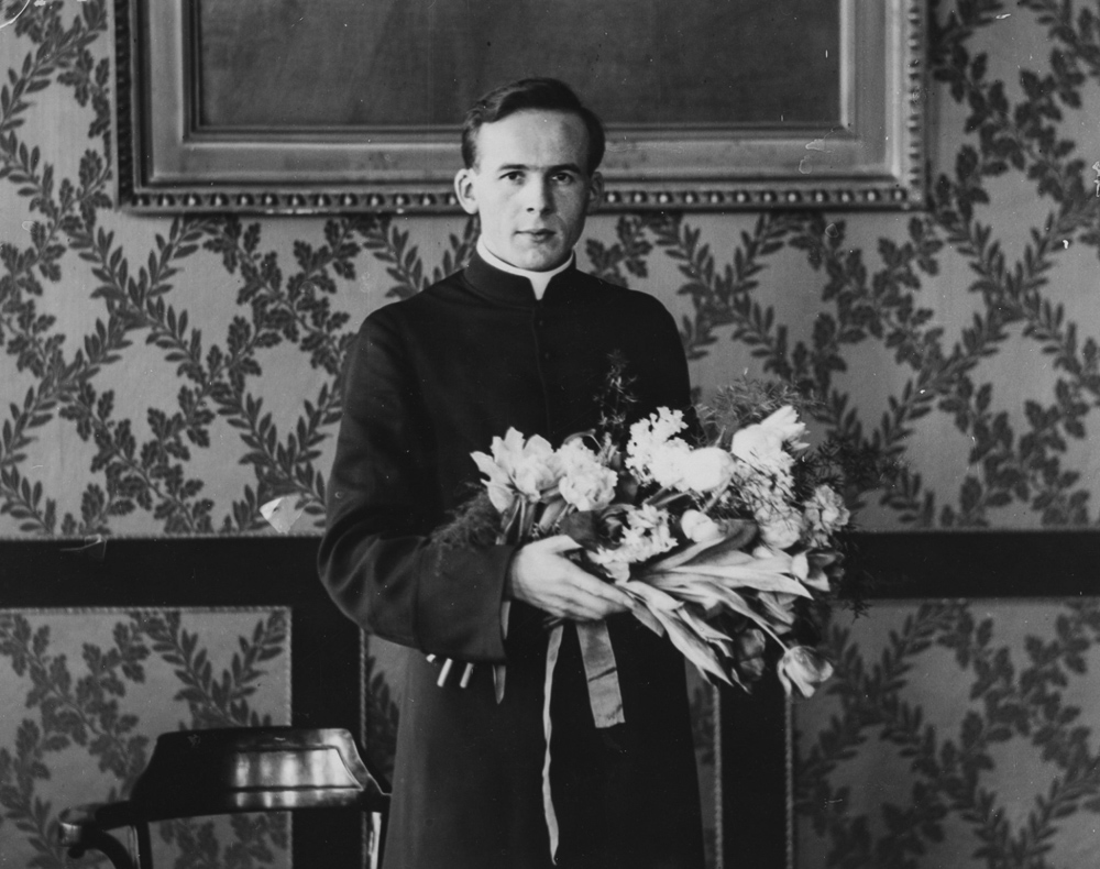 Priest Antoni Liedtke after the ceremony of conferring diplomas in theology at the University of Warsaw, 1931, photo:  audiovis.nac.gov.pl (NAC).
