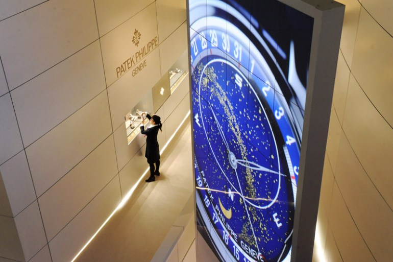 BASELWORLD – the World Watch and Jewellery Show. Each spring, some 1800 companies from the watch, jewellery and precious-stone industries, together with related sectors, showcase their latest developments and innovations in Basel.