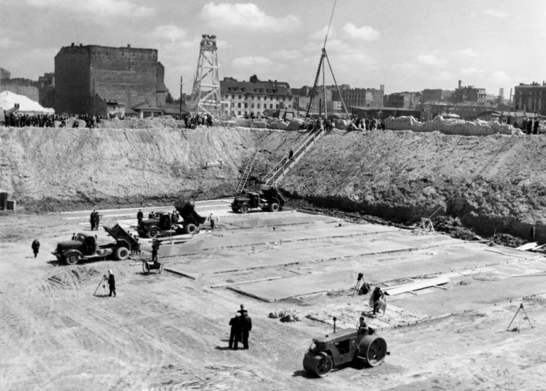 Preparatory works for the construction of the Palace, circa 1952, photo: Forum