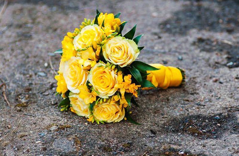 If you're choosing flowers for a Polish woman, avoid the colour yellow, photo: East News