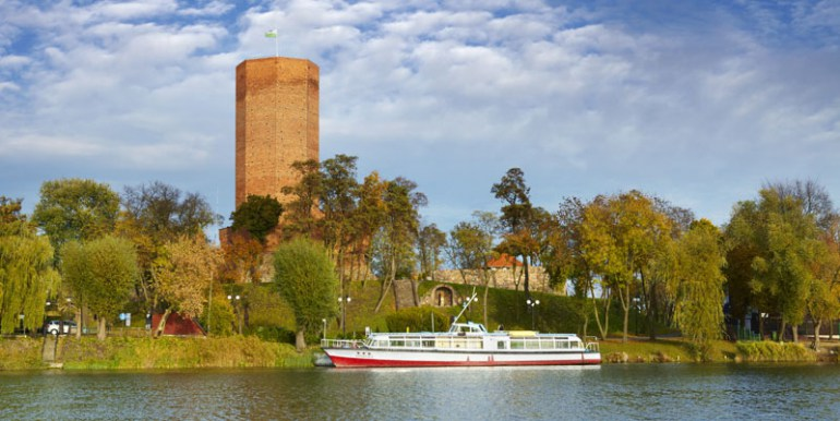Mouse Tower is located on lake Gopło in the town of Kruszwica, in central Poland, photo: Jan Włodaczyk / East News