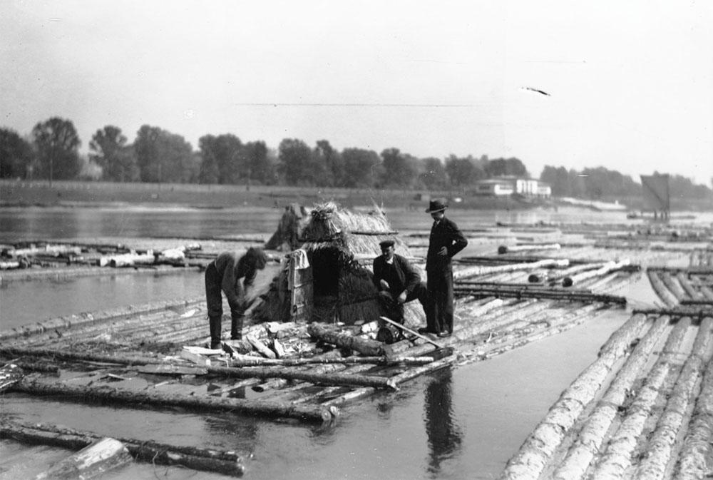 Rafters on the Wisła, 1934, photo: nac.gov.pl
