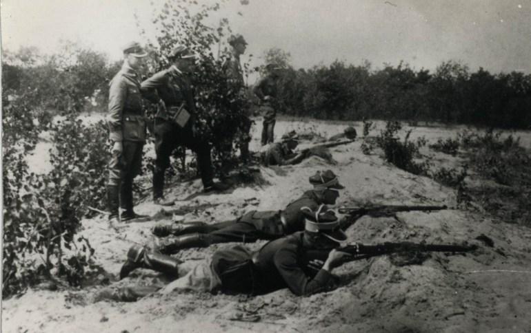 Witold Pilecki practicing at the shooting range, 1931, photo: IPN / www.pilecki.ipn.gov.p