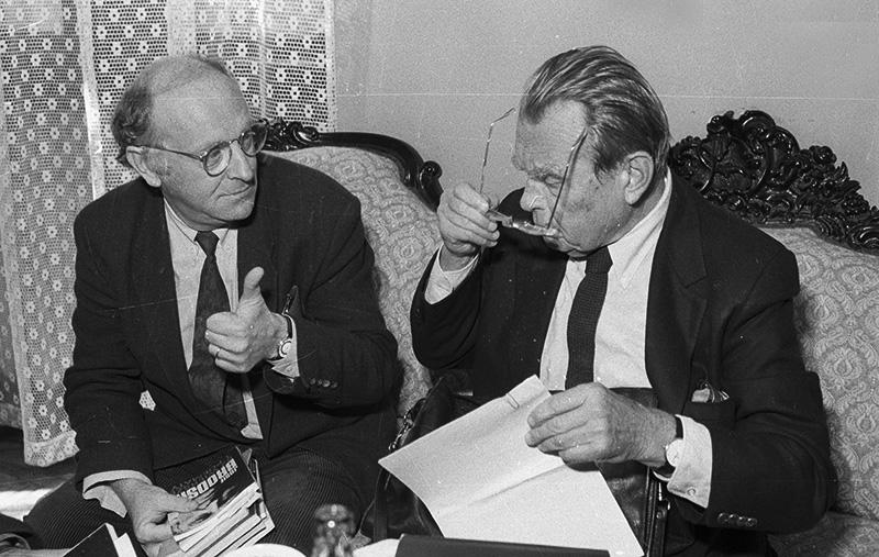 Josif Brodski i Czesław Miłosz podczas spotkania na Uniwersytecie Jagiellońskim w Krakowie, 1990, fot. Maciej Socho / PAP