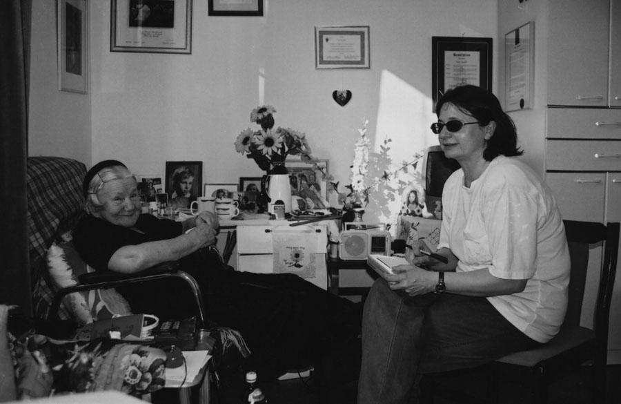"""Fotografia archiwalna z ksiażki """"Prawdziwa historia Ireny Sendlerowej"""", fot. materiały prasowe wydawnictwa Wydawnictwo Marginesy"""
