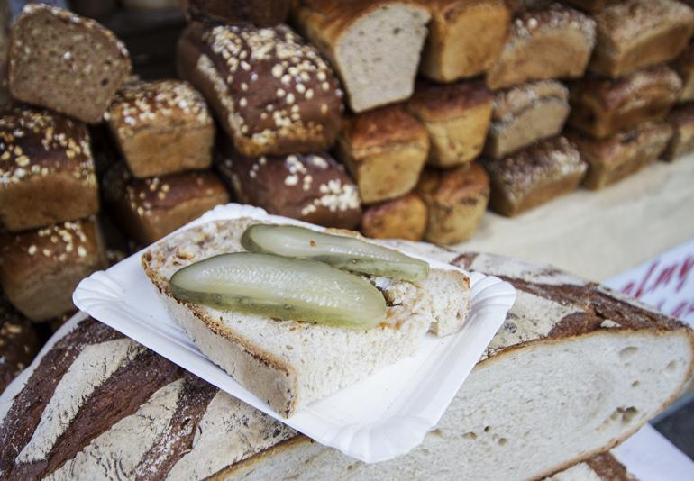 Хлеб со смальцем. Фото: Кристиан Добушиньский