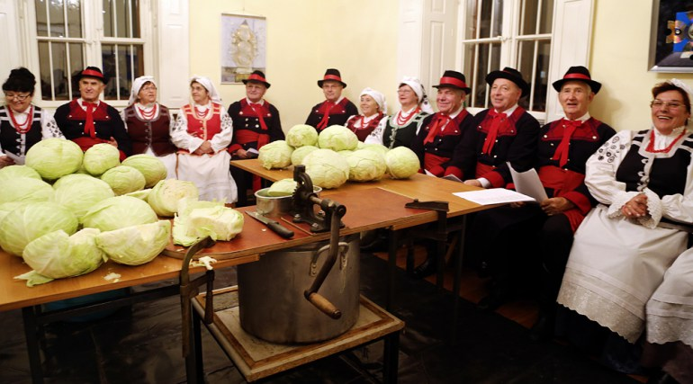 Cabbage feast, with special workshops devoted to the process of pickling, Centrum Kultury Wilanów, photo: Joanna Borowska / Forum