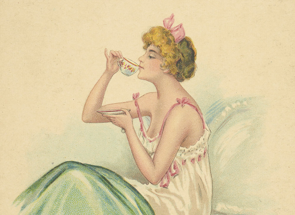 Kobieta w negliżu pije poranną kawę ilustracja z pocztówki, 1905, fot. Biblioteka Narodowa POLONA