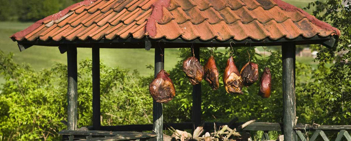 Dylewska maturing ham, photo: wzgorza-dylewskie.pl