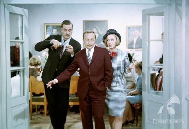 A still from the movie 'Małżeństwo z rozsądku' directed by Stanisław Bareja, 1966, photo: Filmoteka Narodowa / www.fototeka.fn.org.pl