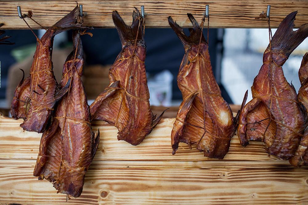 Smoked fish at a fresh produce market, Wrocław, photo: Maciej Kulczyński/PAP