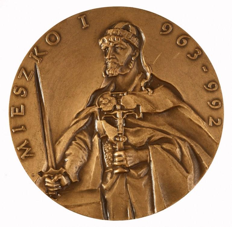 Medal okolicznośćiowy Mieszko I wladca polski, fot. Piotr Mecik / Forum