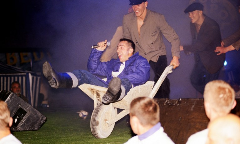 1997, 2nd  Polish Festival of Dance Music: Pictured in the wheelbarrow: Marcin Meller from the band Boys, photo: Darek Majewski / Forum